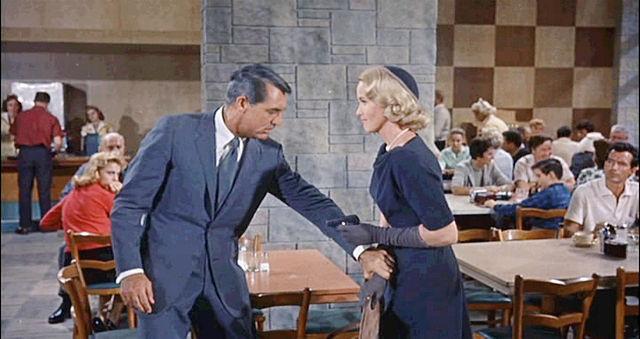 fotos z filmu z Cary'm Grantem