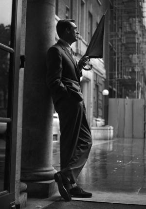 Cary Grant z parasolem