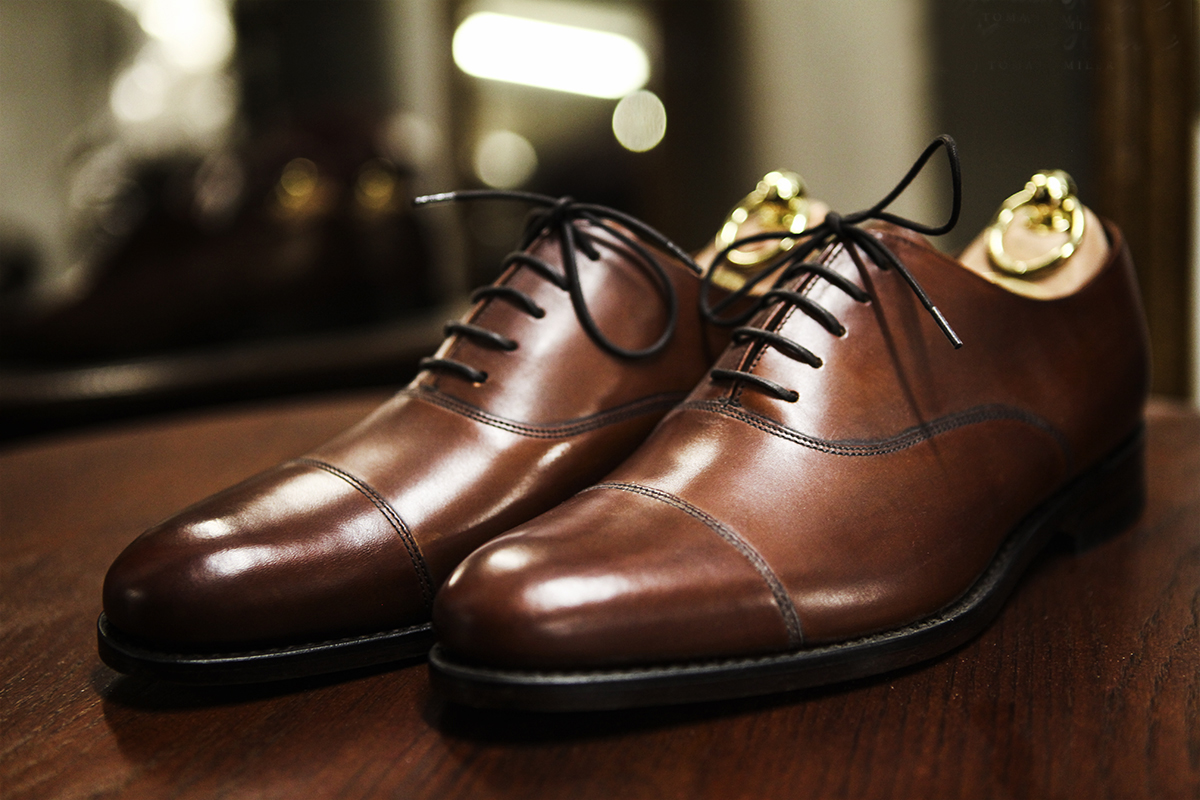 wypastowane brązowe buty