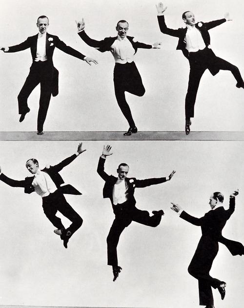 Fred Astaire tańczy we fraku
