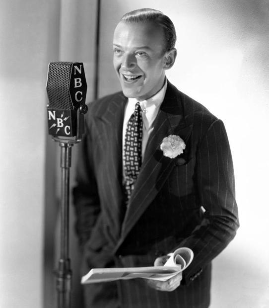 Fred Astaire w prążkowanym garniturze
