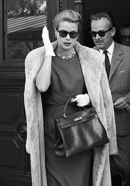 Grace Kelly w białych rękawiczkach