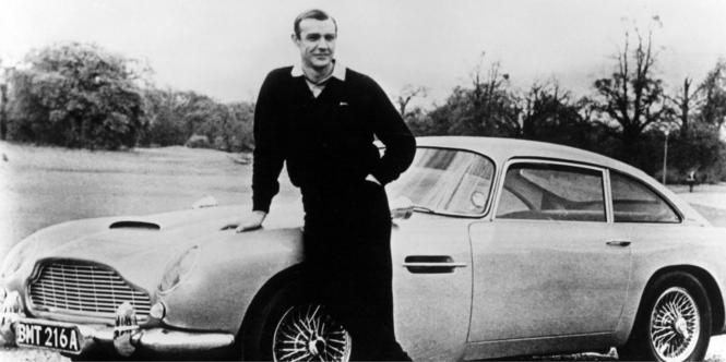 samochód Aston Martin - zdjęcie z lat 50.