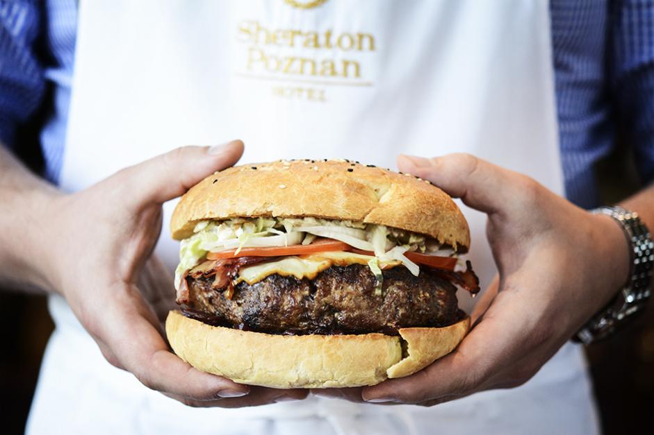 burger z półkilogramowym kotletem!
