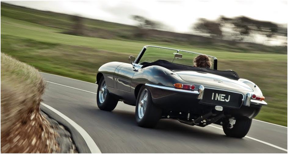 czarny Jaguar E-Type - tył