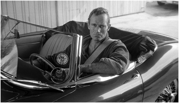 Charlton Heston w jaguarze e type