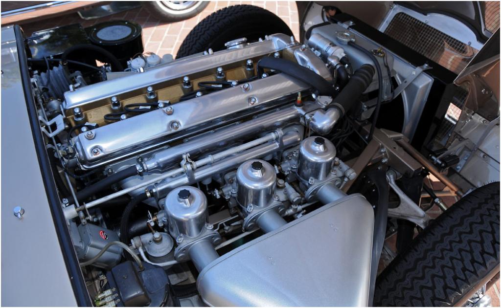 silnik Jaguar E Type