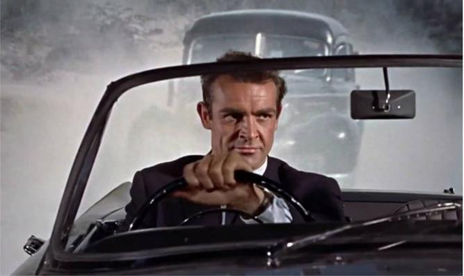 James Bond za kierownicą