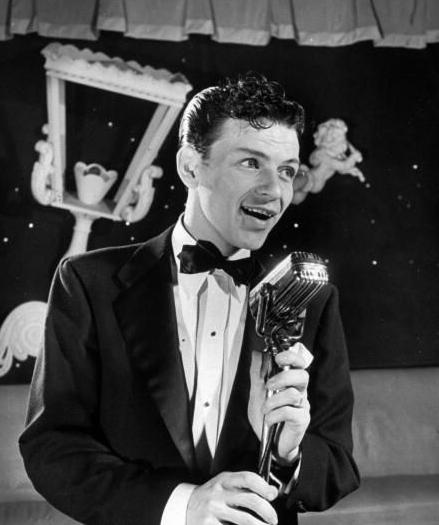 śpiewający Frank Sinatra