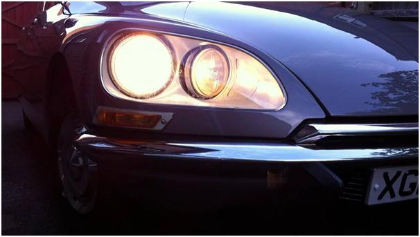 Citroën DS - zbliżenie na przednie światło