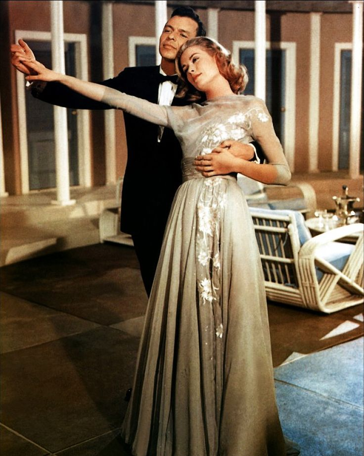 kadr z filmu Wyższe sfery: Frank Sinatra i Grace Kelly