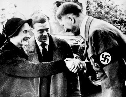 Adolf Hitler wita księcia Windsoru i jego żonę w Niemczech