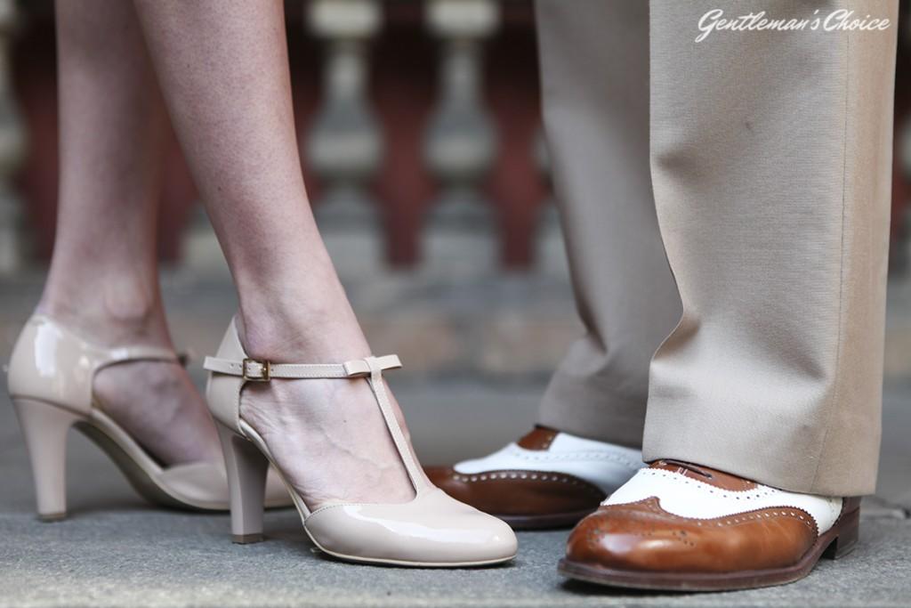 zbliżenie na obuwie tańczących salsę