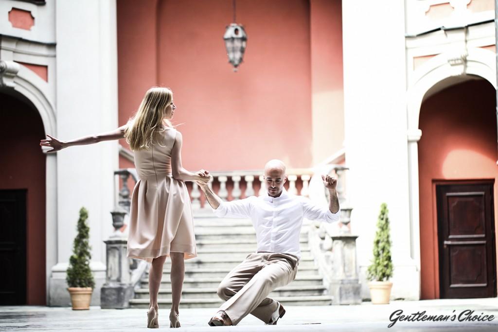 para tańcząca salsę