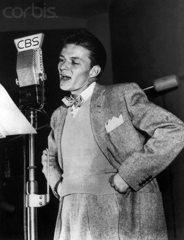 Frank Sinatra śpiewa