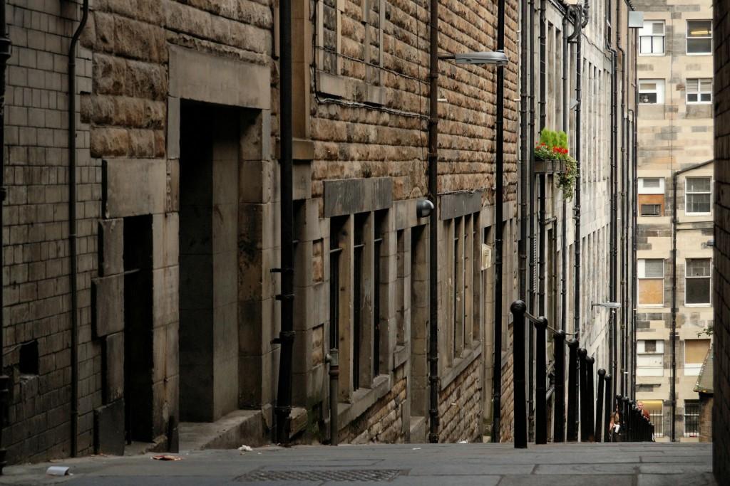 zaułek odchodzący od The Royal Mile