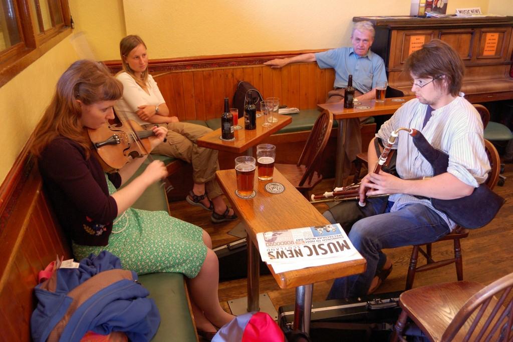 Spontaniczny koncert w pubie The Royal Oak