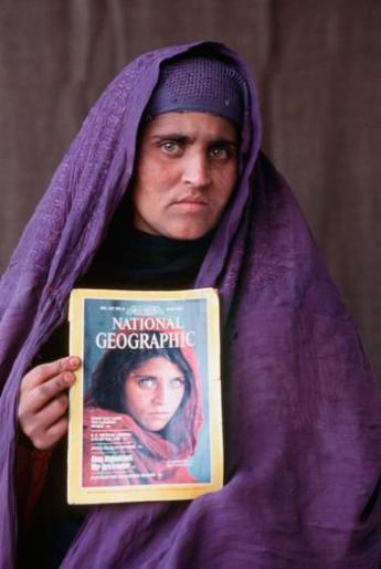 Sharbat Gula - afgańska dziewczyna