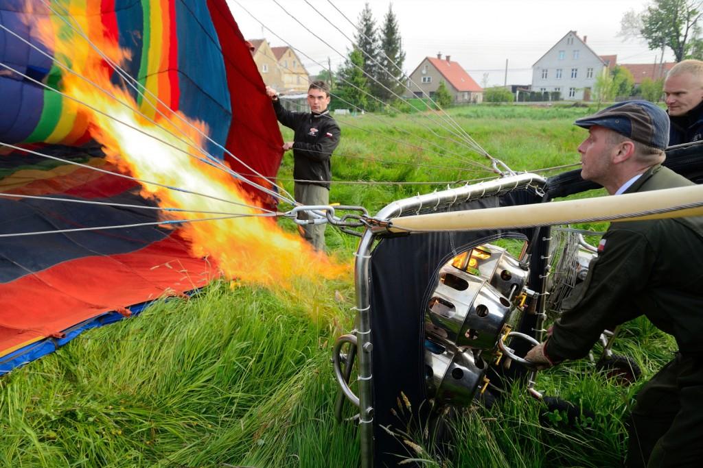 ogrzewanie powietrza w balonie