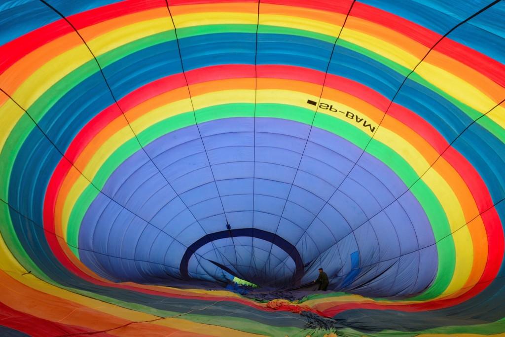 Wnętrze największego w Polsce balonu na ogrzane powietrze.