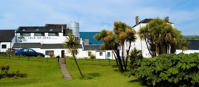 07 - Destylarnia Isle of Jura. Na wyspie Jura, rzecz jasna. (1)