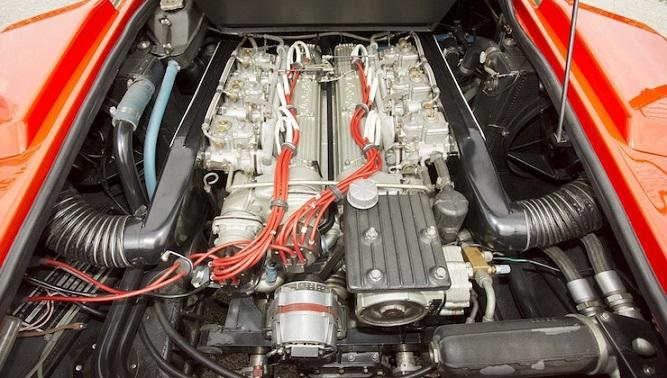 silnik V12 w Lamborghini Countach