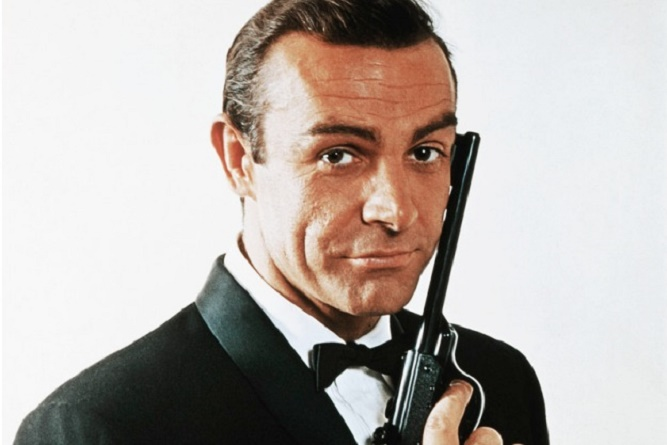 Sean Connery jako James Bond w filmie Doktor No