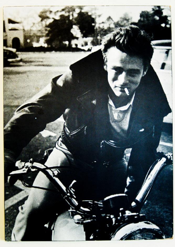 James Dean na motocyklu