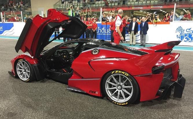 Ferrari-FXX-K-action-1