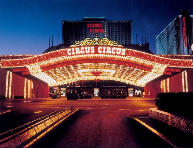 circus-circus-las-vegas-entrance