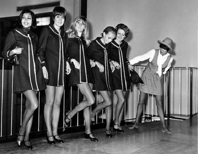 Mary Quant i dziewczyny w krótkich sukienkach