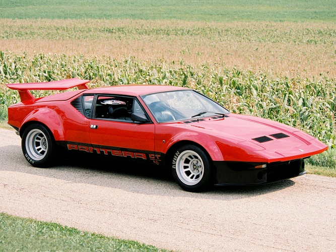 1972-80_DeTomaso_Pantera_GT4_01