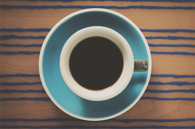 czarna kawa w filiżance