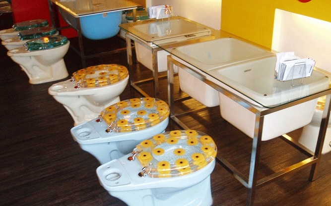 restauranttoiletge_3159897k