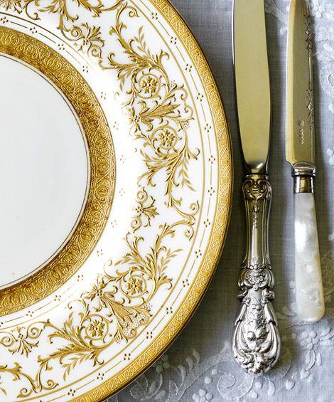 porcelana i sztućce w prezencie