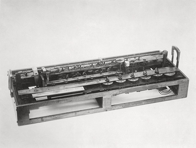 Phototograph of Stern's calculating machine (1814), made by Felt and Tarrant Manufacturing Company, Chicago, Illinois, United States.