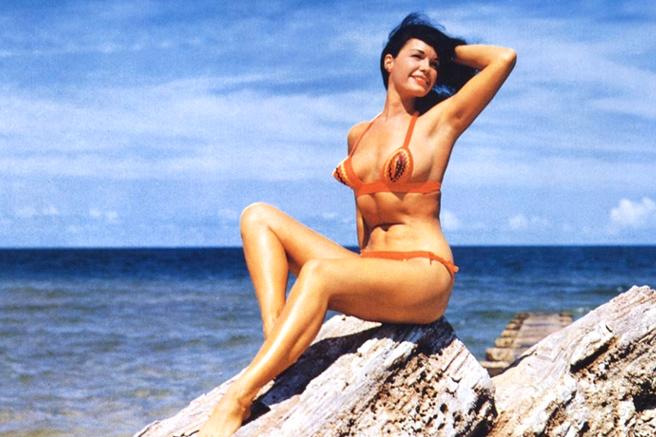 Bettie Page w stroju kąpielowym