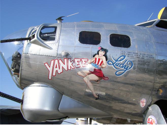 b-17 z Pin Up girl na dziobie
