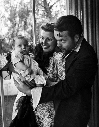 Rita Hayworth i Orson Welles z córką Rebeccą.